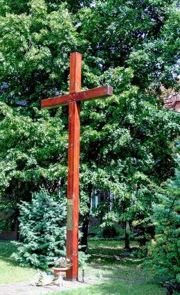 Krzyż misyjny przy kościele św. Anny przy ulicy Matejki. Poznań, Poznań.