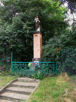 Kapliczka z figurą Chrystusa. Brodnica, powiat śremski.